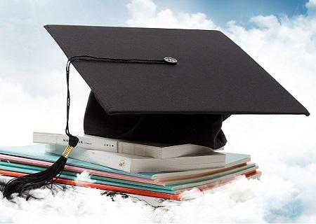 技校招生:提升学历报考分析:初中毕业能够报成人本科吗?